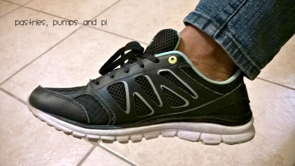 kushyfoot athletic sock with athletic shoe