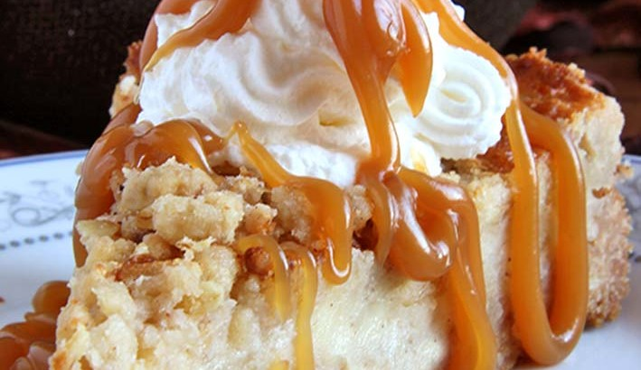 caramel-apple-crisp-cheesecake